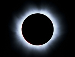 solar_eclipse_low